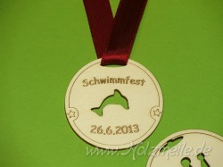 Holz-Medaille Delfin individuell