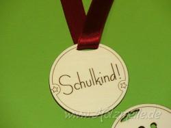 Holz-Medaille Schulkind