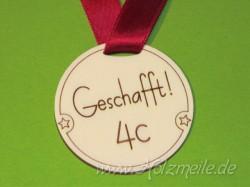 """Holz-Medaille """"Geschafft!"""""""