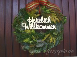 """Holz-Schriftzug """"Herzlich Willkommen"""""""